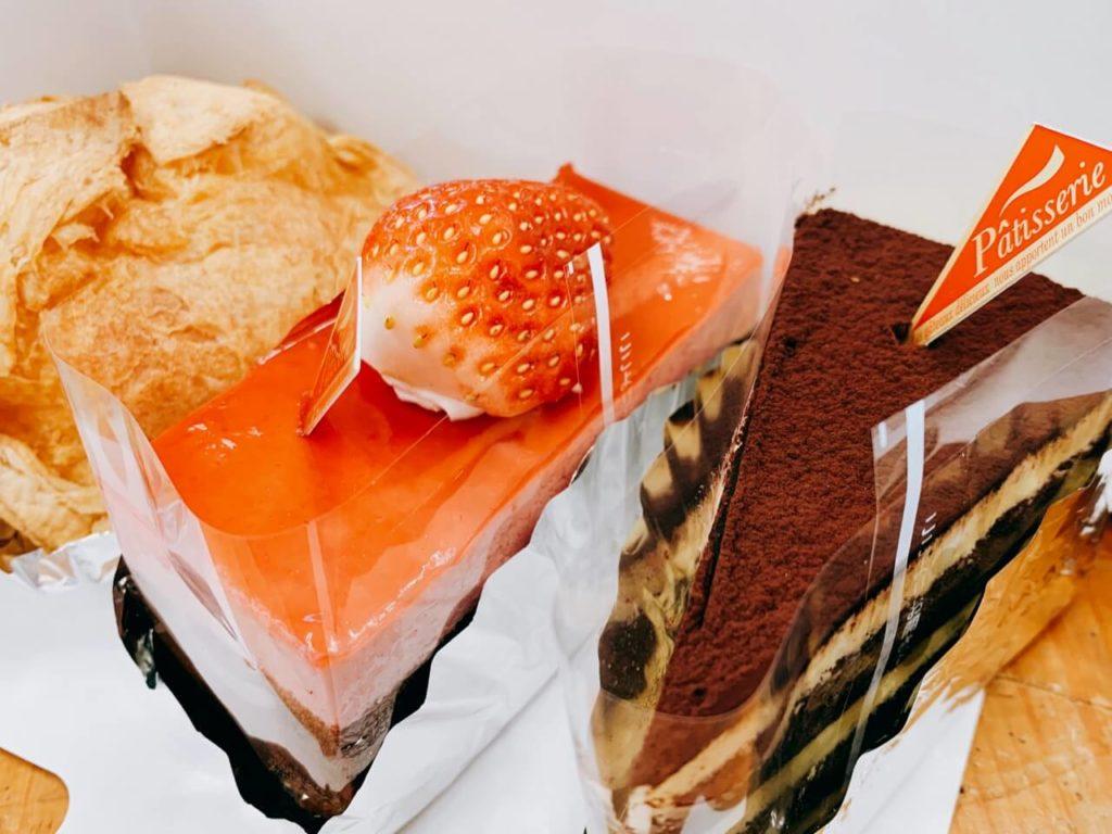 トリコロール ケーキ