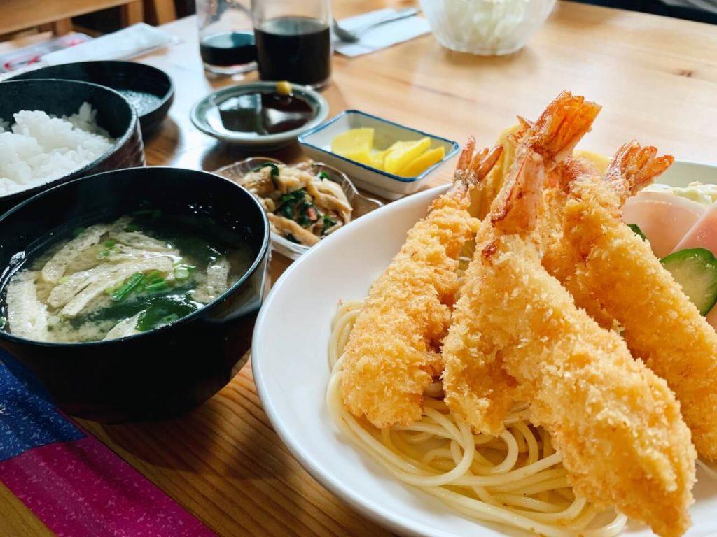 伊佐市_喫茶びっく_エビフライ定食