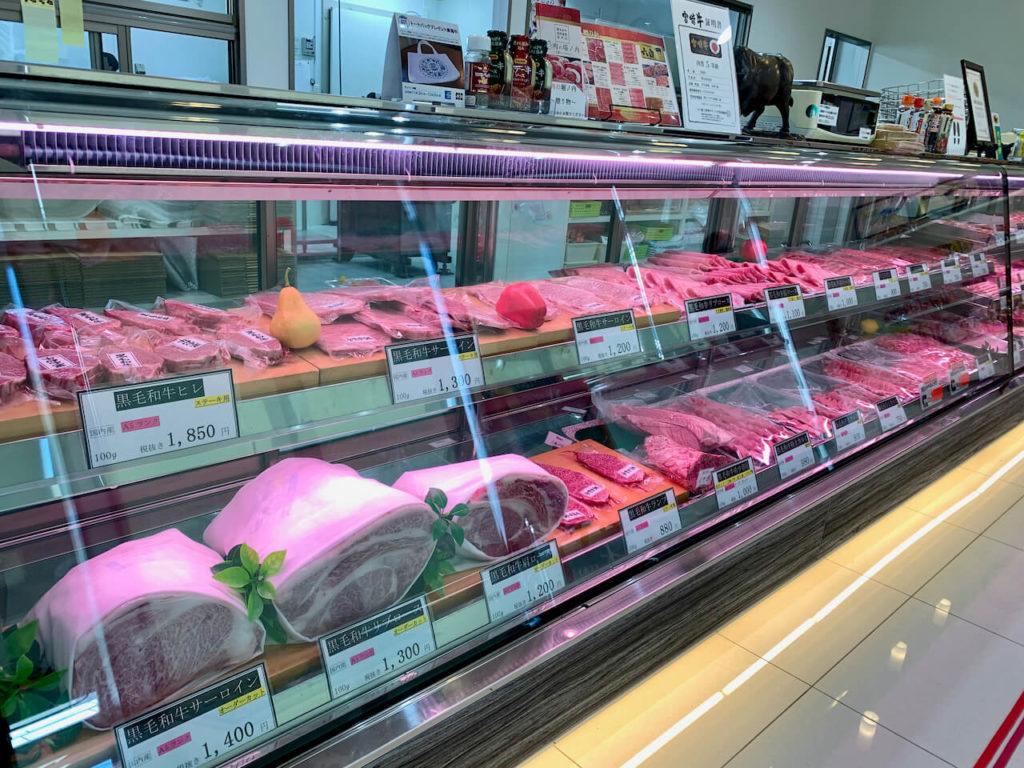 肉の堀ノ内店内